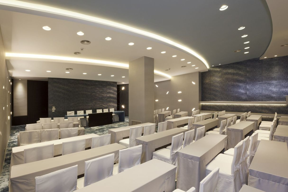 Olympic_Palace_Meeting_Room_1
