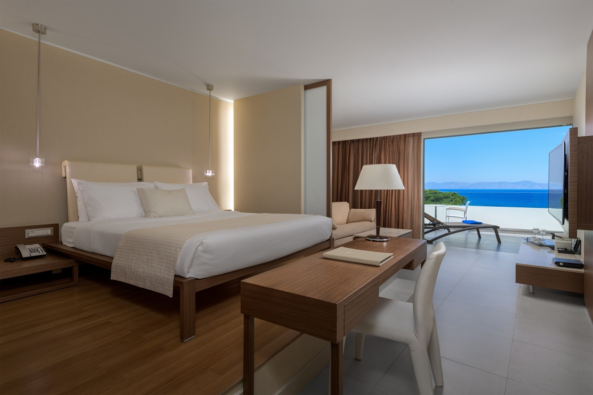 Junior-Suite-sea-view