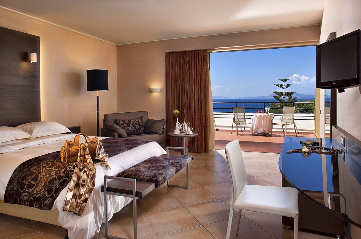 Double or Twin Room Sea View